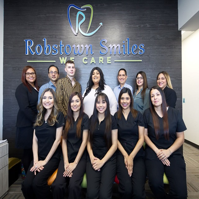 robstown-smiles-team-image